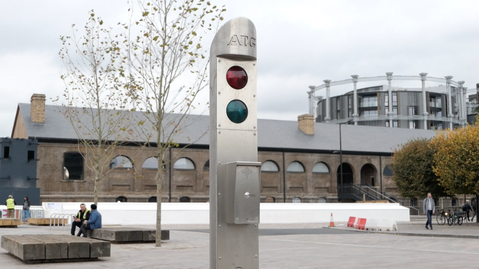 Obstructions of King's Cross